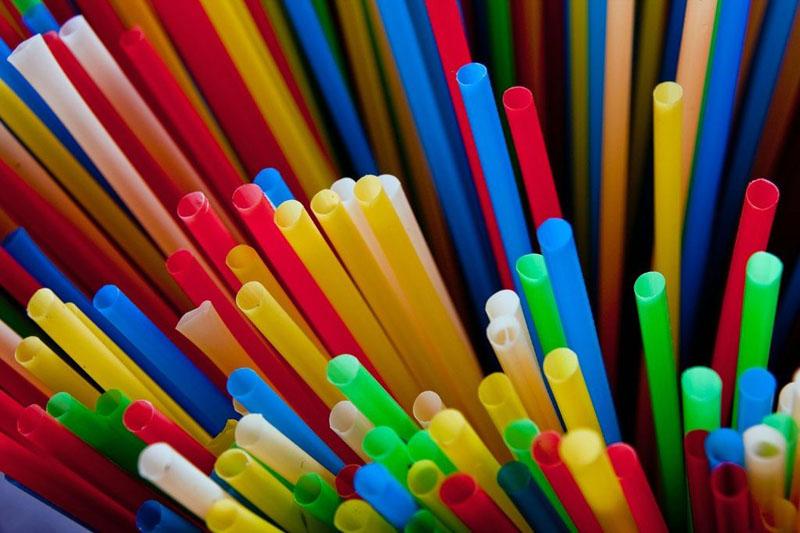 Impacto dos canudos de plástico no meio ambiente