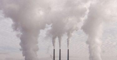 Emissão de poluentes